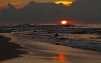 Zachód s?o?ca na pla?y (Sunset on the beach)