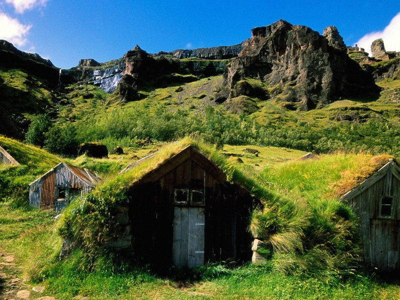 Icelandic turf houses wallper
