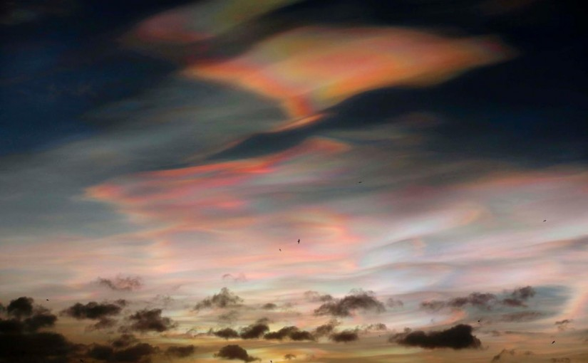 Beautiful nacreous clouds appear over England